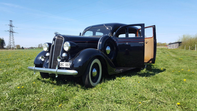 Rent a vintage car - The 50s Museum och Nostalgicafé